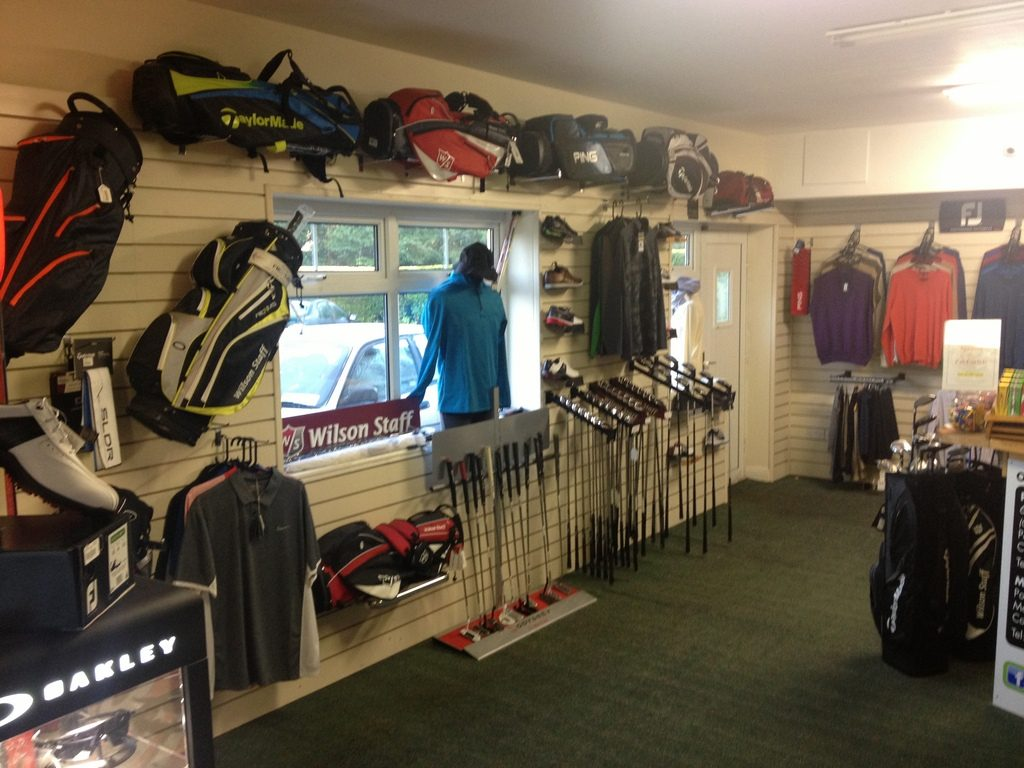 golf-shop-window-view
